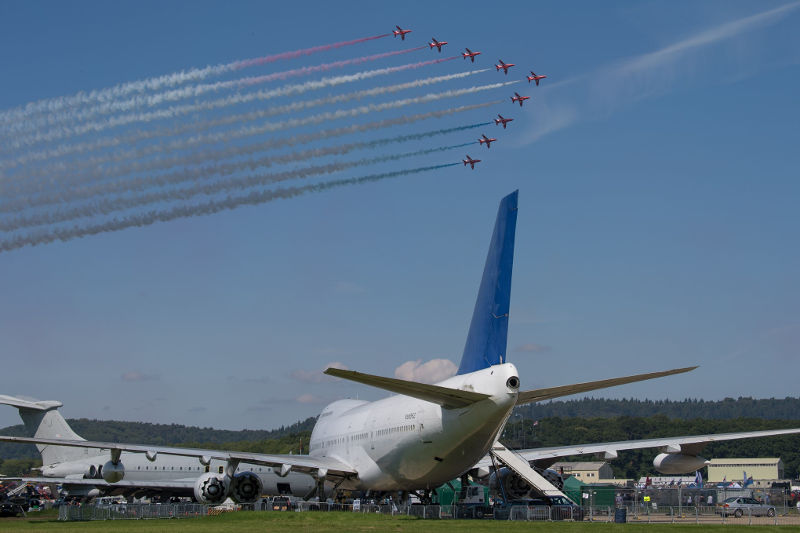747 and Red Arrows by OneSnap