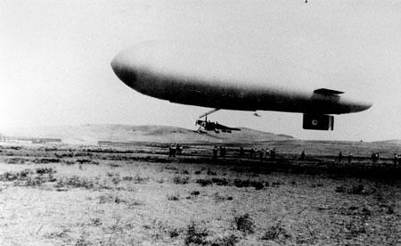 Vintage film - Airship