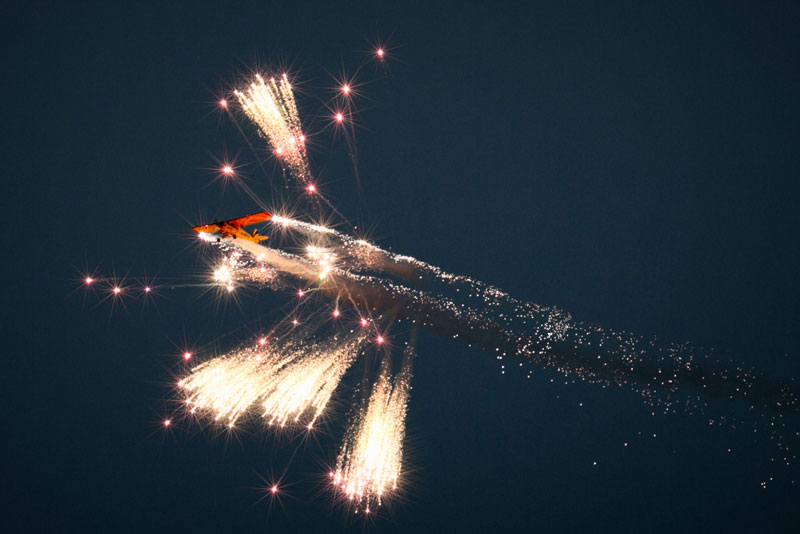 airbourne pyrotechnics by Graham Huntley